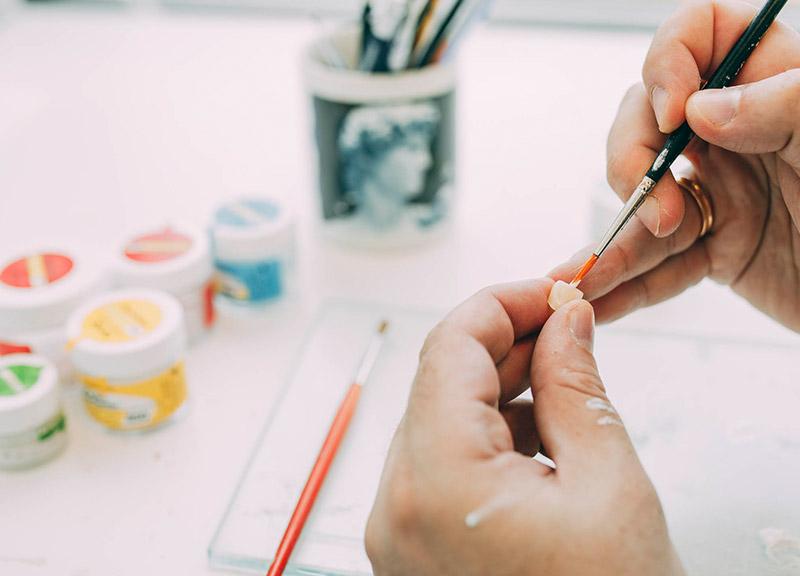 Metallfreier Zahnersatz Leverkusen wird individuell gefertigt