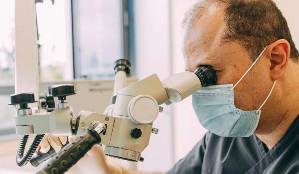 Schonende Wurzelbehandlung Leverkusen von Prof. Dr. Dr. Plugmann